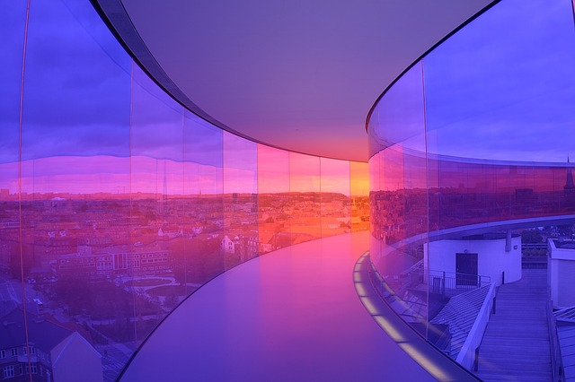 prosklené stěny