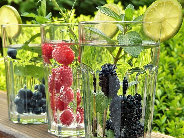 voda s ovocem