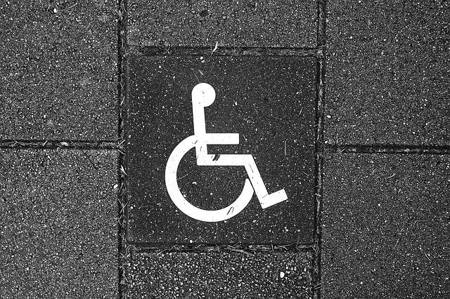 Biely znak pre vozíčkarov