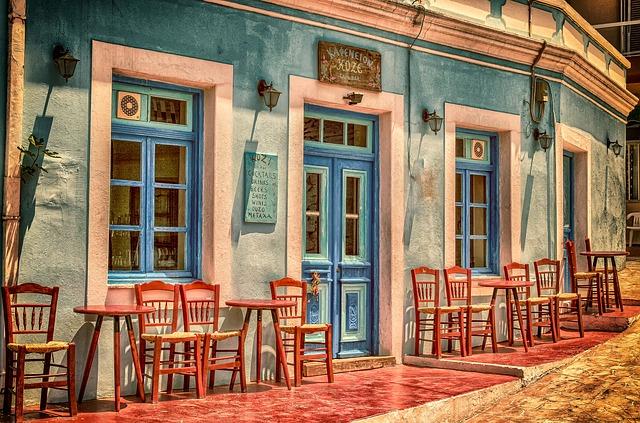 kaviareň so stoličkami.jpg