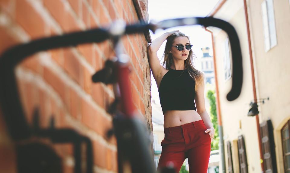 modelka v meste
